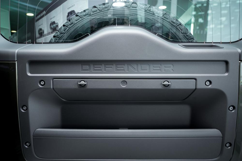 XXI зууны адал явдал эрэлхийлэгчдэд зориулсан шинэ үеийн Land Rover Defender (фото 24)