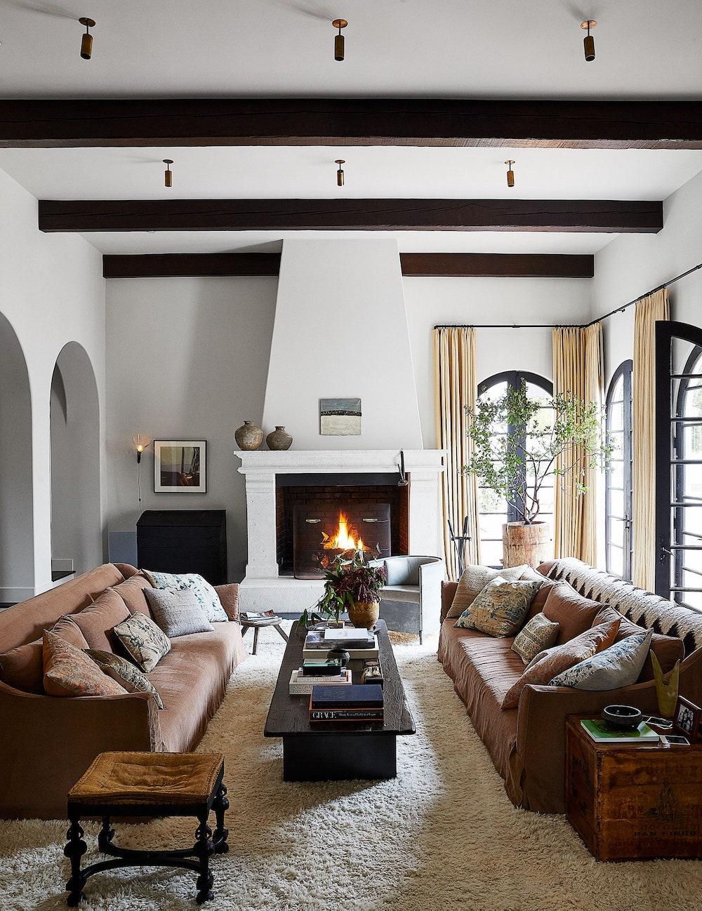 Дотроос нь харцгаая: Кендалл Женнерийн Лос-Анжелес дахь байшин (фото 10)