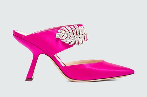 Хамгийн энгийн хувцсыг ч гайхалтай харагдуулах 20 баярын туфли (фото 1)