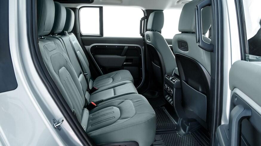 XXI зууны адал явдал эрэлхийлэгчдэд зориулсан шинэ үеийн Land Rover Defender (фото 21)