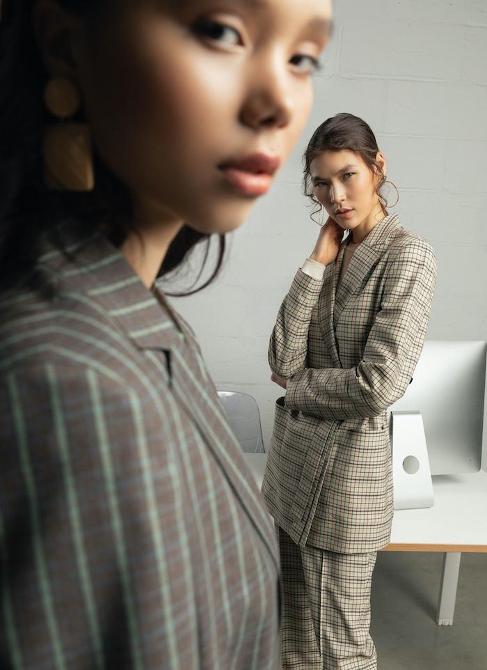 Оффис хувцаслалтын шинэ дүрмүүд: Хээнцэр, хүчирхэг, тухтай (фото 5)