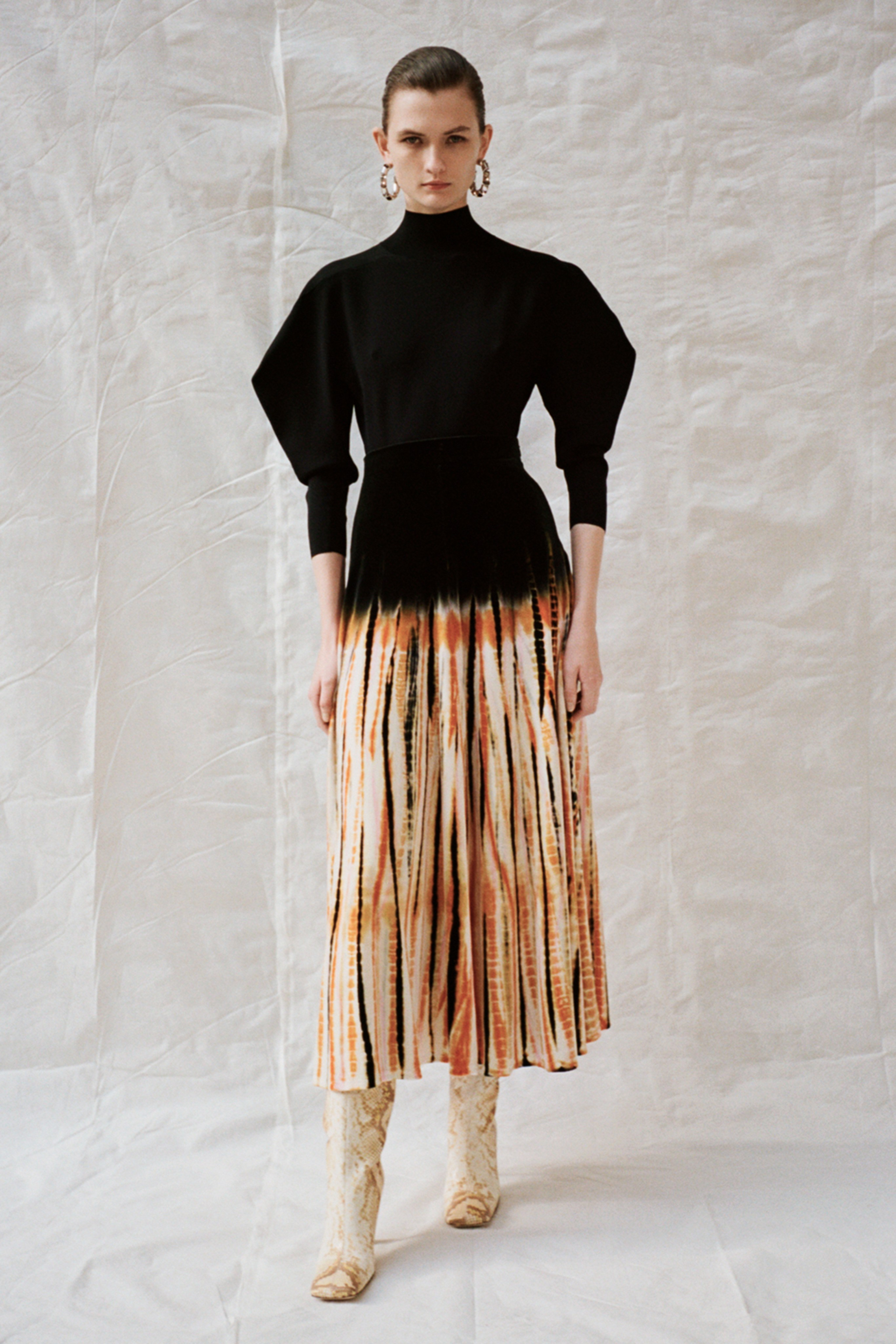 Савхин пиджак, макси юбка болон бусад дурсамж сэргээсэн 2020 оны ретро трендүүд (фото 9)