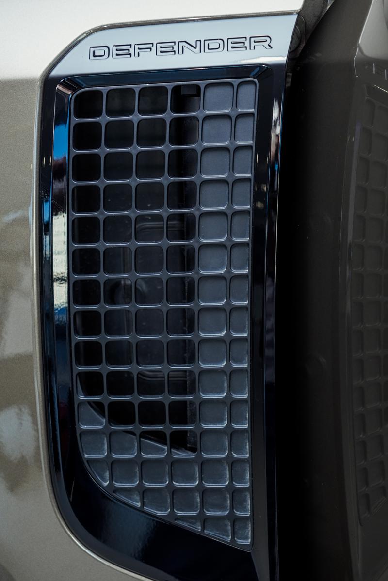 XXI зууны адал явдал эрэлхийлэгчдэд зориулсан шинэ үеийн Land Rover Defender (фото 5)