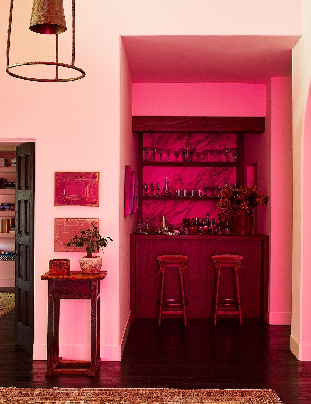Дотроос нь харцгаая: Кендалл Женнерийн Лос-Анжелес дахь байшин (фото 4)