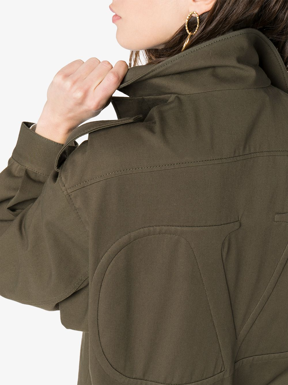 Юу худалдаж авах вэ: Армийн стильтэй хөнгөн куртка (фото 1)