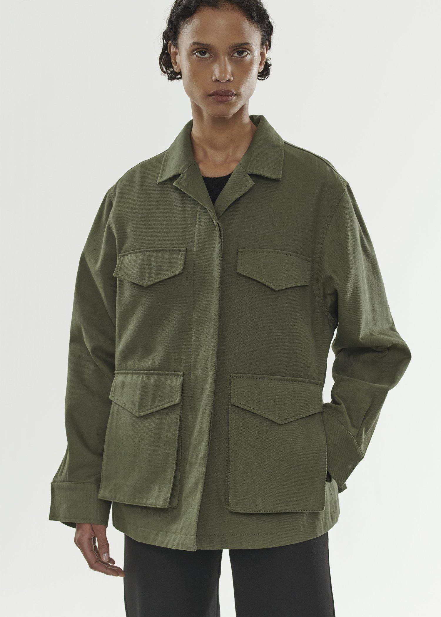 Юу худалдаж авах вэ: Армийн стильтэй хөнгөн куртка (фото 9)