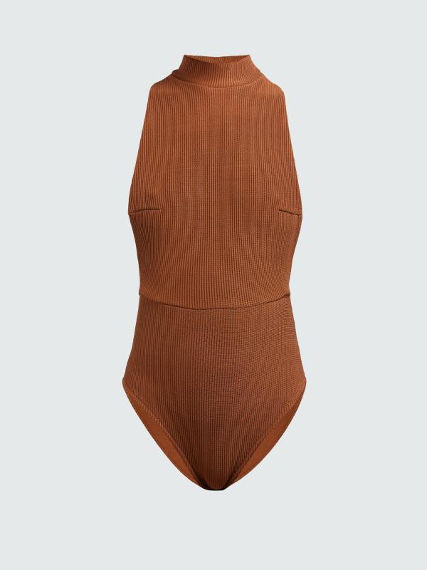 Ямар усны хувцас сонгох вэ: Хуниастай, дөрвөлжин хээтэй, судалтай зэрэг 36 загвар (фото 4)