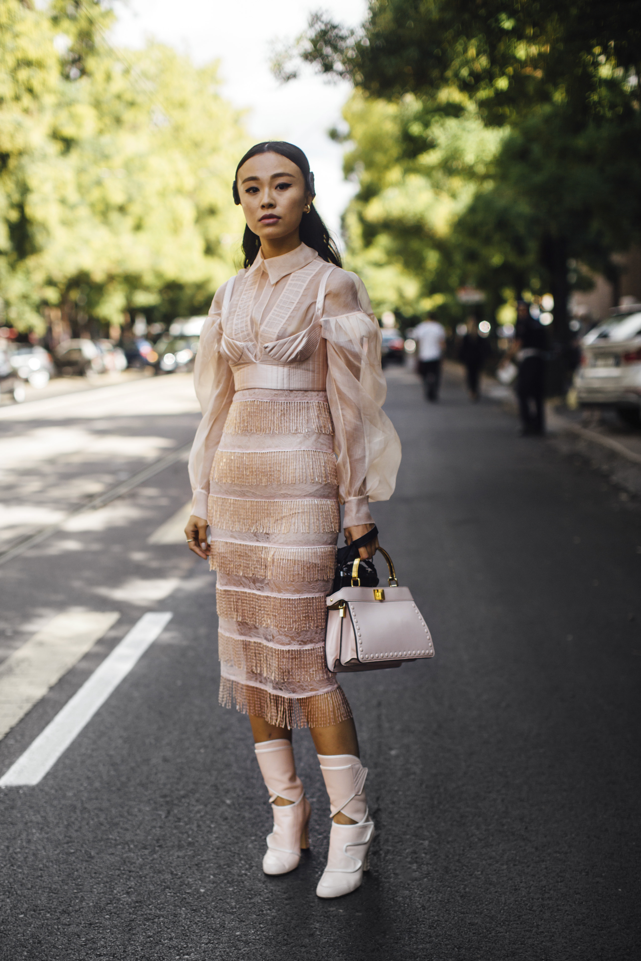 Spotted: Street style in times of the coronavirus (фото 10)