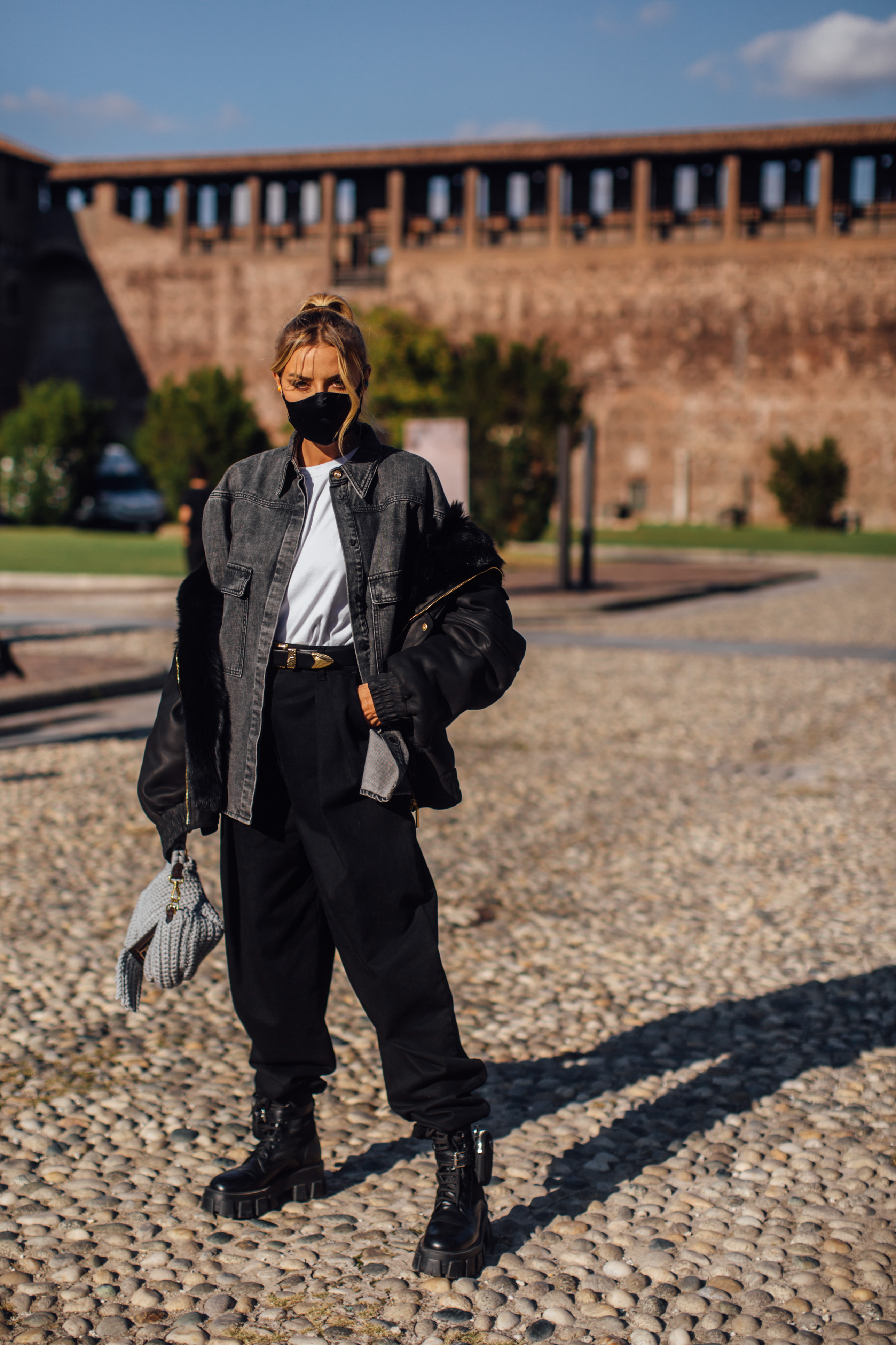 Spotted: Street style in times of the coronavirus (фото 2)