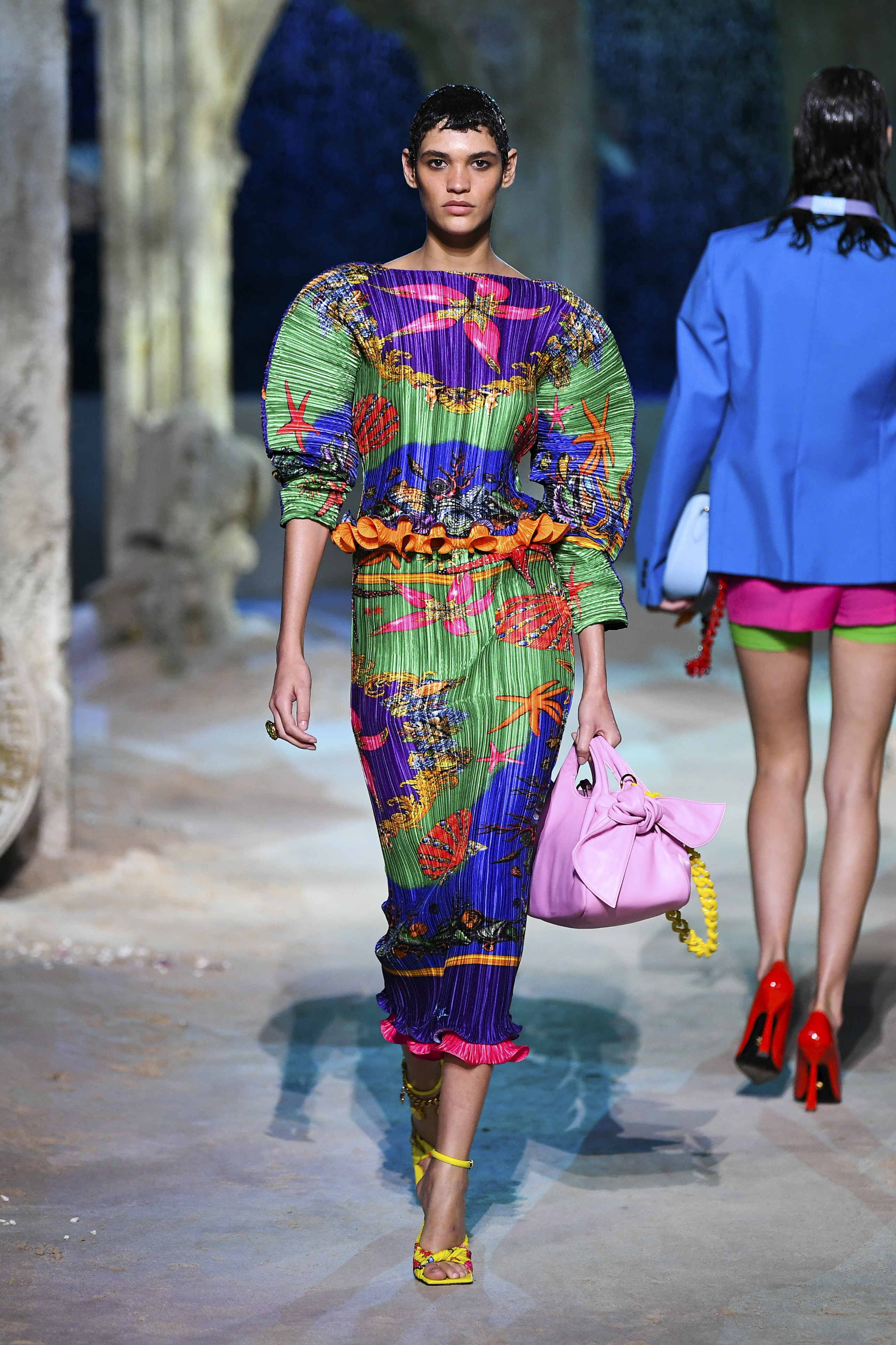 Prints galore: Dolce & Gabbana and Versace's Spring/Summer '21 collection (фото 22)