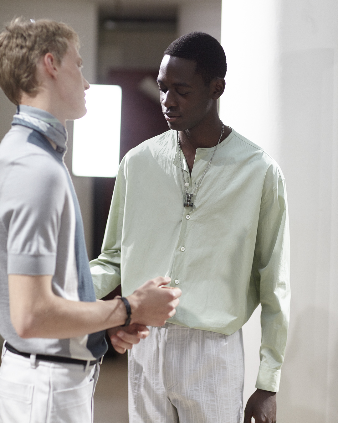 Hermès' new menswear collection boasts simplicity and a timeless casualness (фото 3)