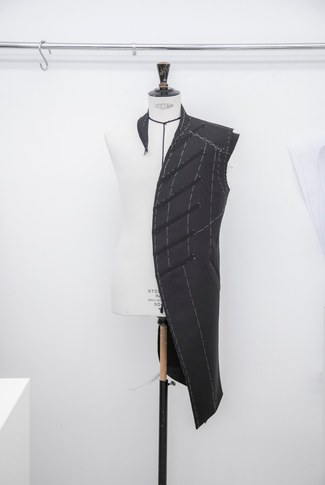 At Dior, Kim Jones shines the spotlight on Ghana with artist Amoako Boafo (фото 14)