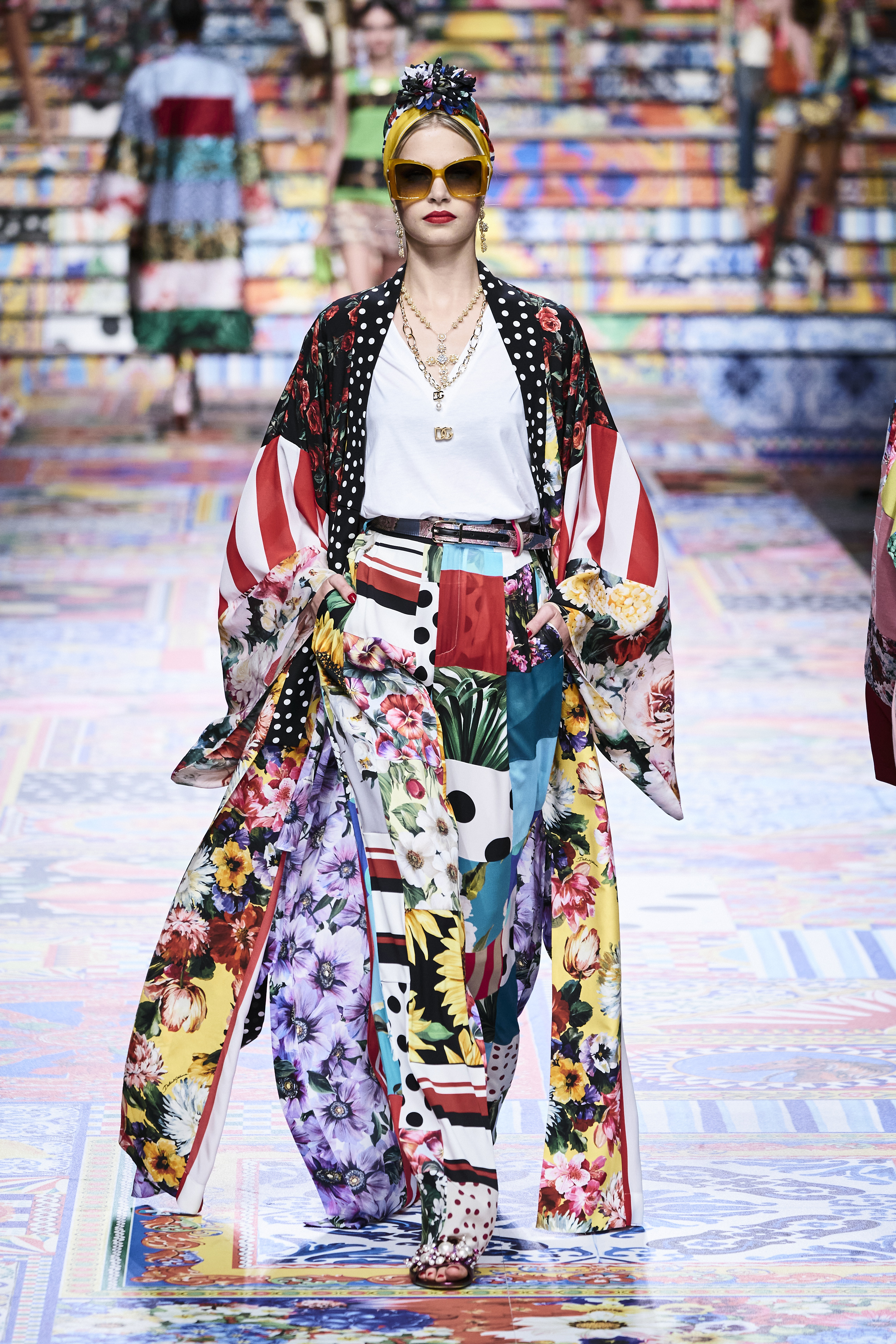 Prints galore: Dolce & Gabbana and Versace's Spring/Summer '21 collection (фото 11)