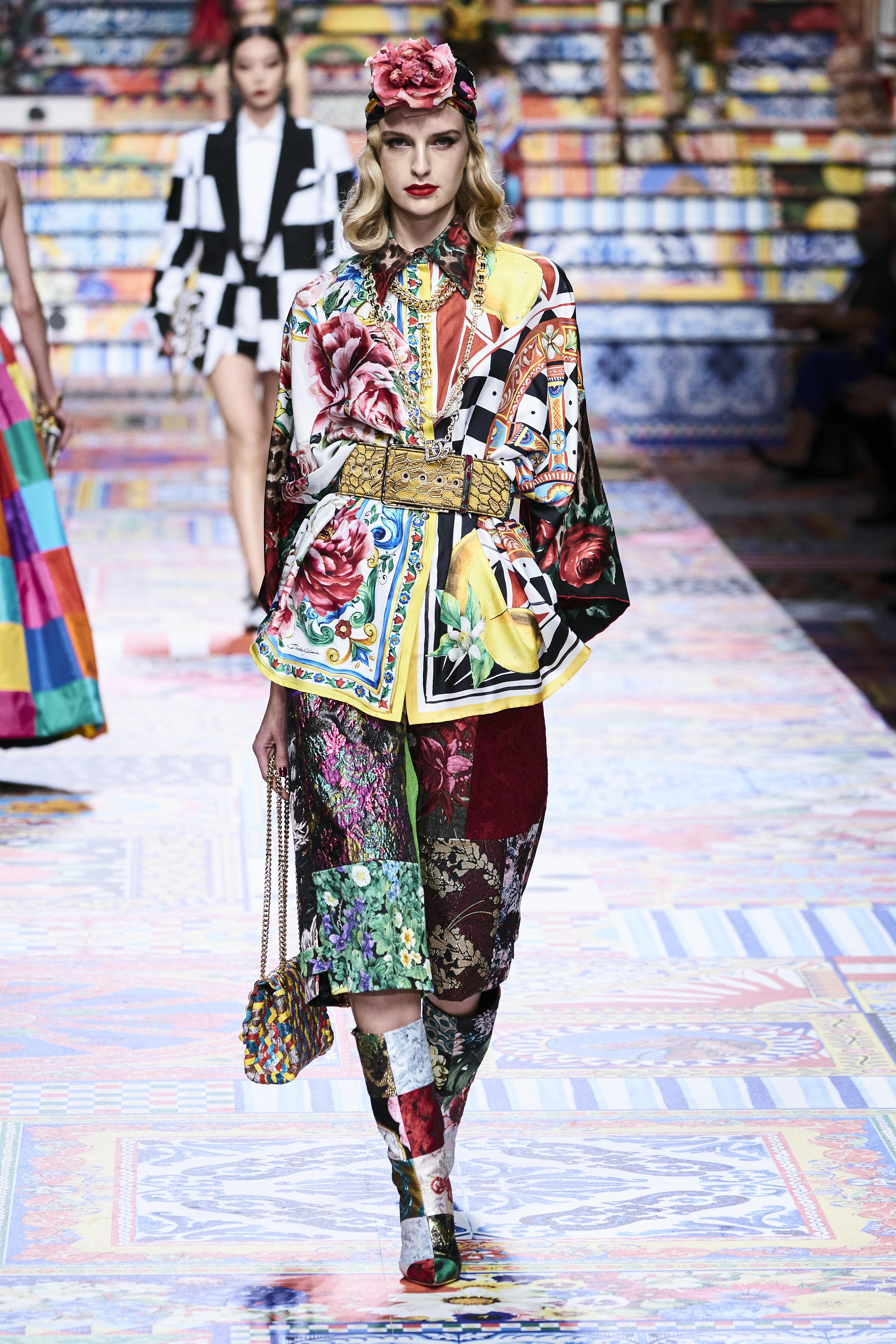 Prints galore: Dolce & Gabbana and Versace's Spring/Summer '21 collection (фото 8)