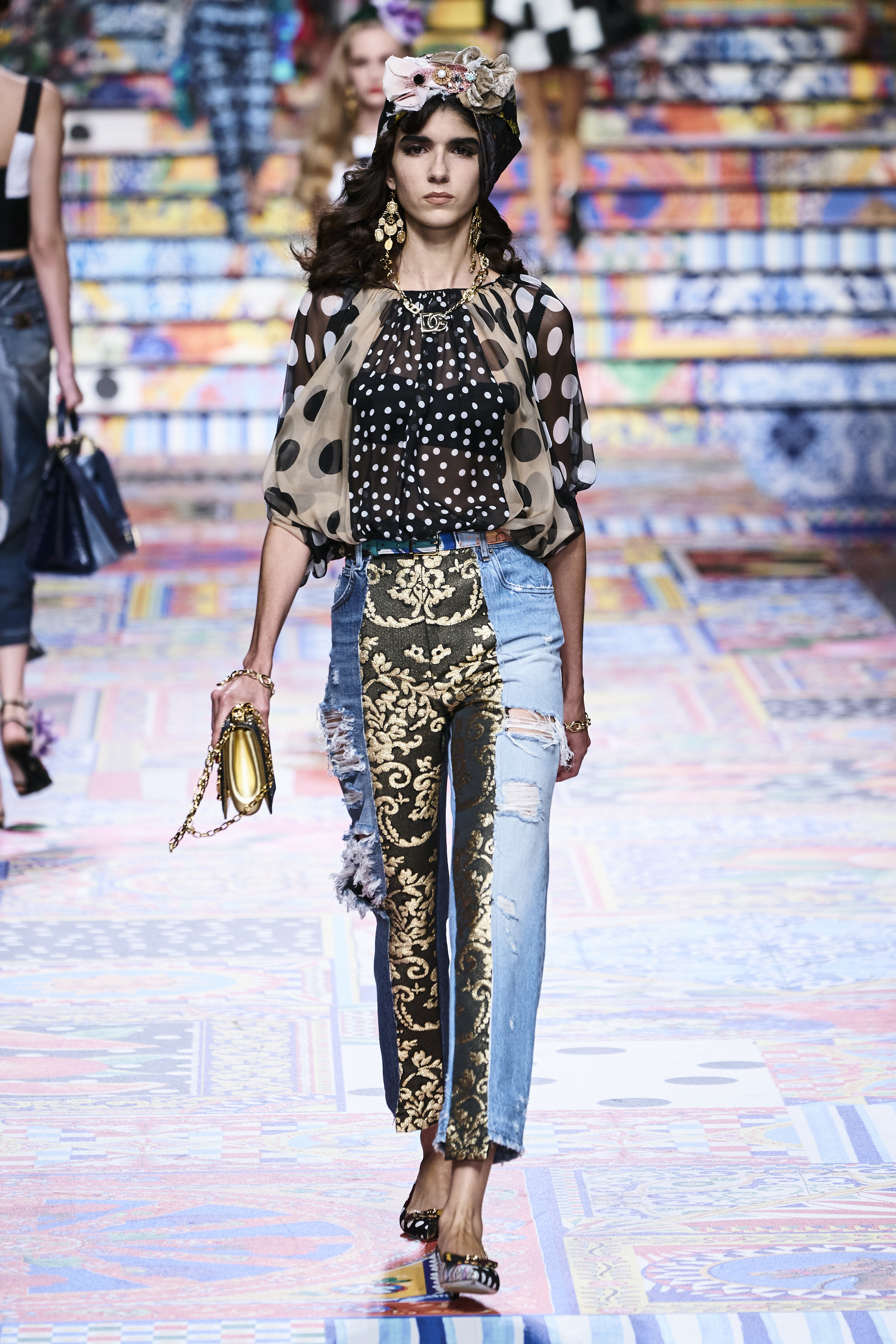 Prints galore: Dolce & Gabbana and Versace's Spring/Summer '21 collection (фото 6)