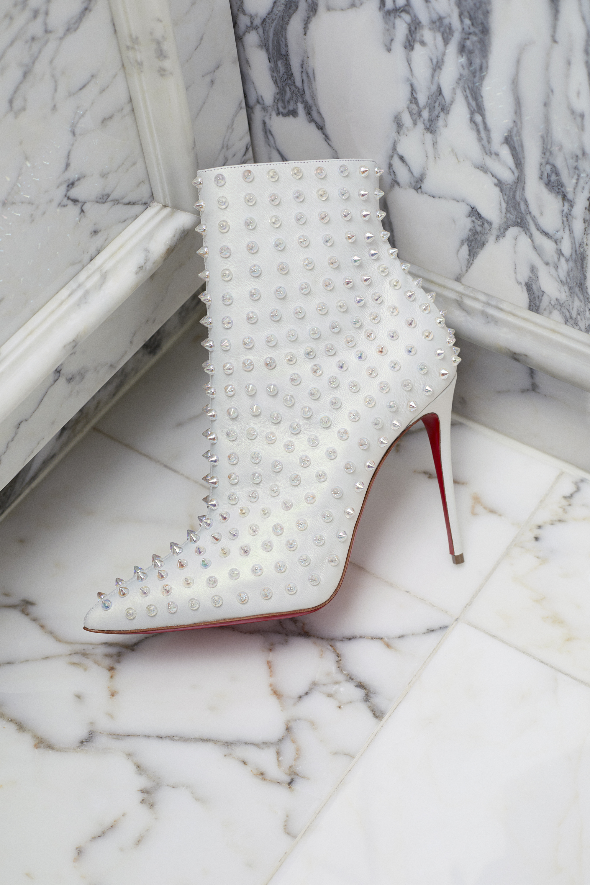 Mytheresa's exclusive capsule collection with Christian Louboutin is now available (фото 5)