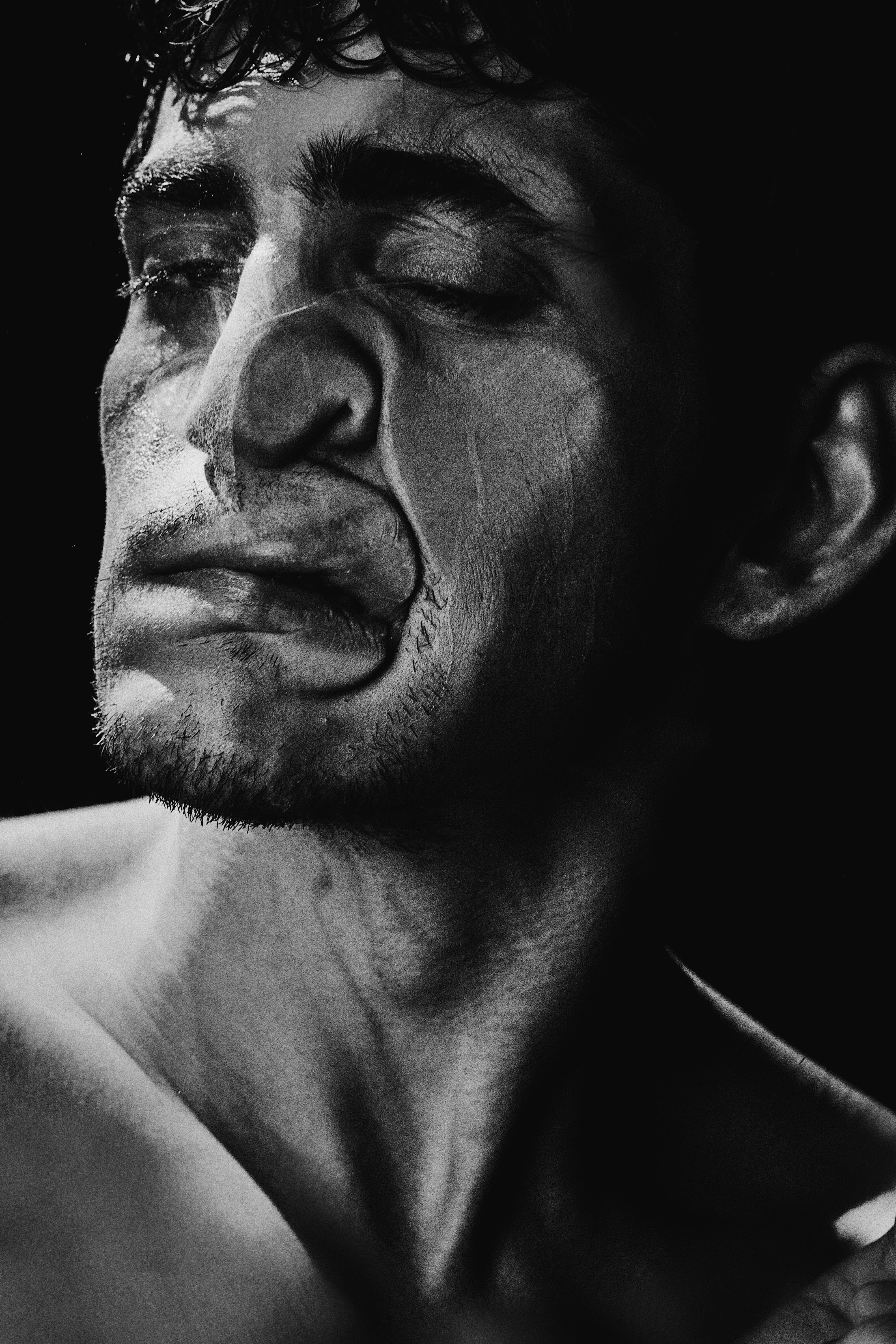 Фобии, мании и странности: арт-проект с Гошей Кудренко