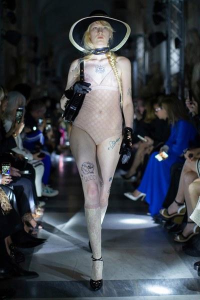 Макияж на показе Gucci Resort 2020