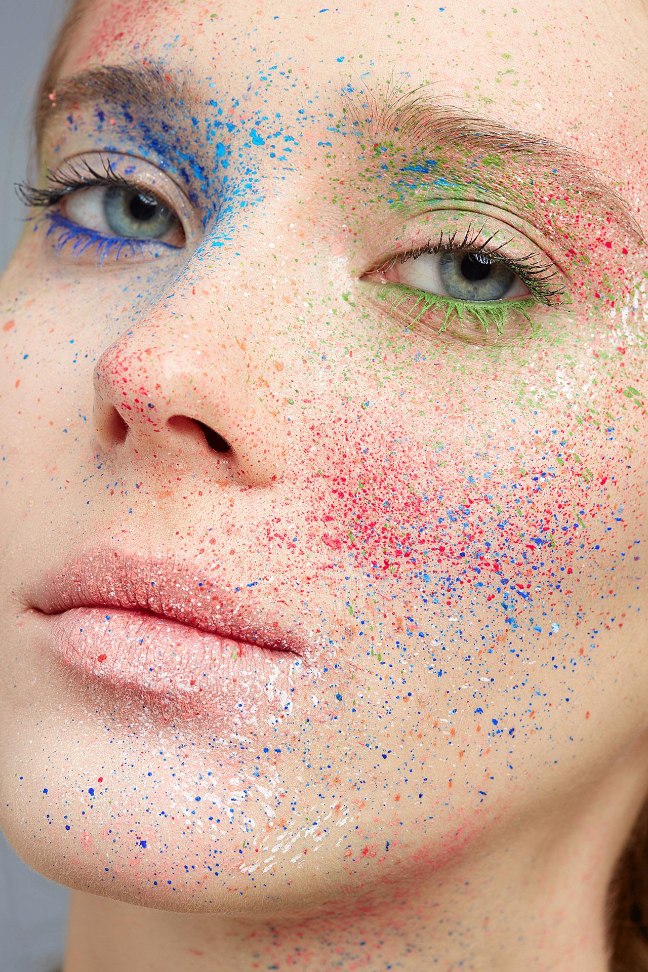 Макияж «Краски Холи»
