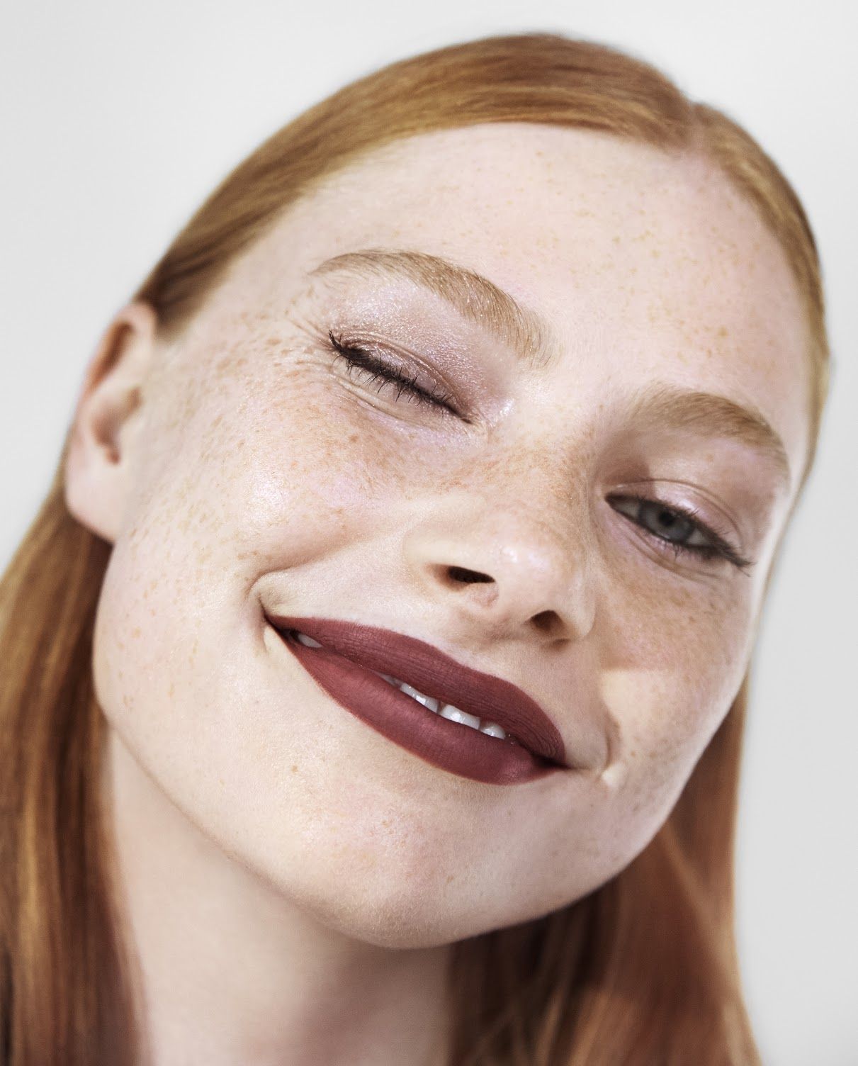 Макияж с помадой 3INA the longwear lipstick