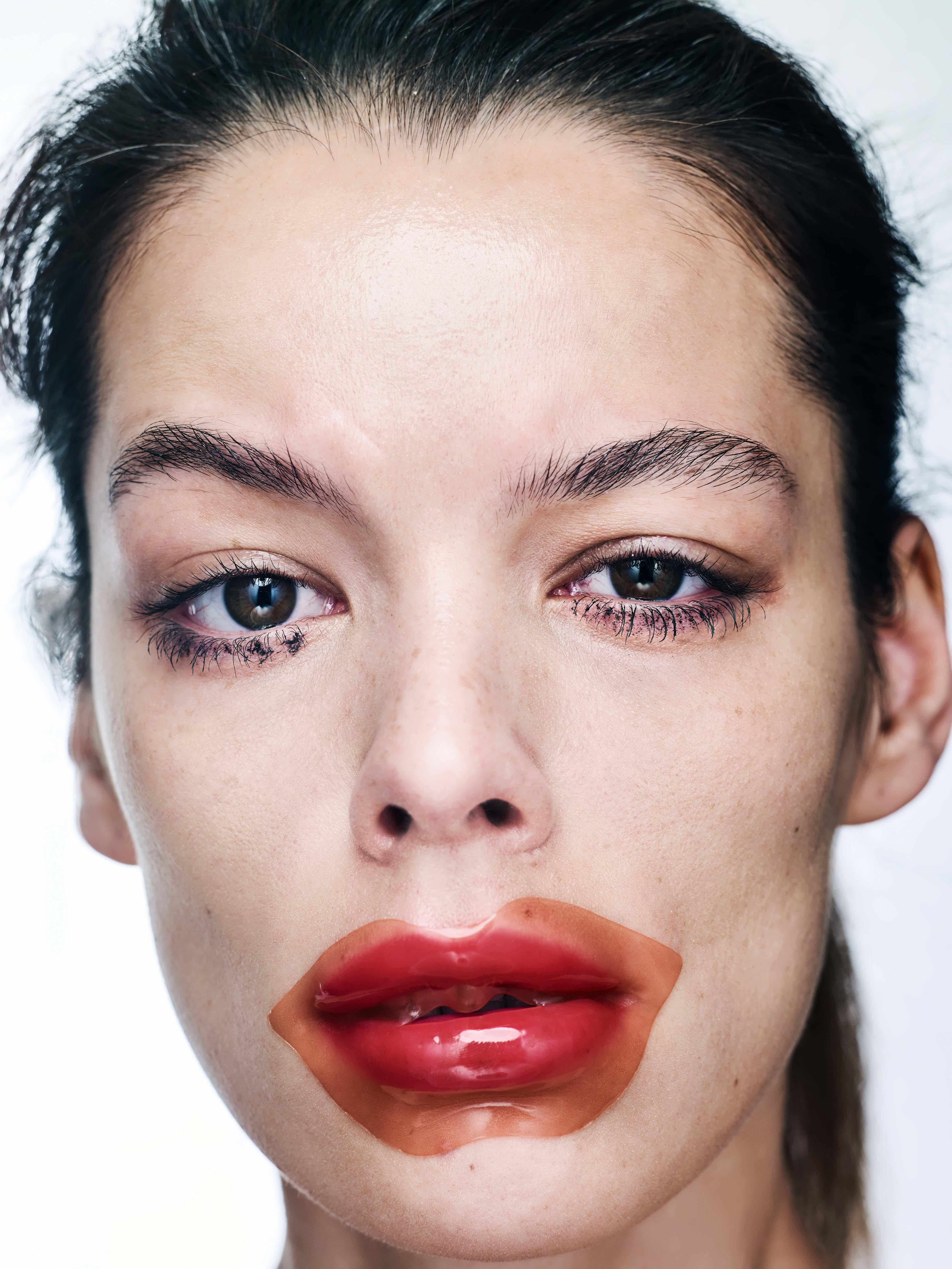 Гидрогелевый патч для губ KISS KISS LOVELY lip patch, TONY MOLY