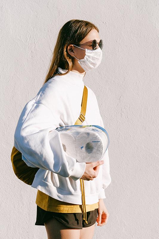 Ношение защитной маски