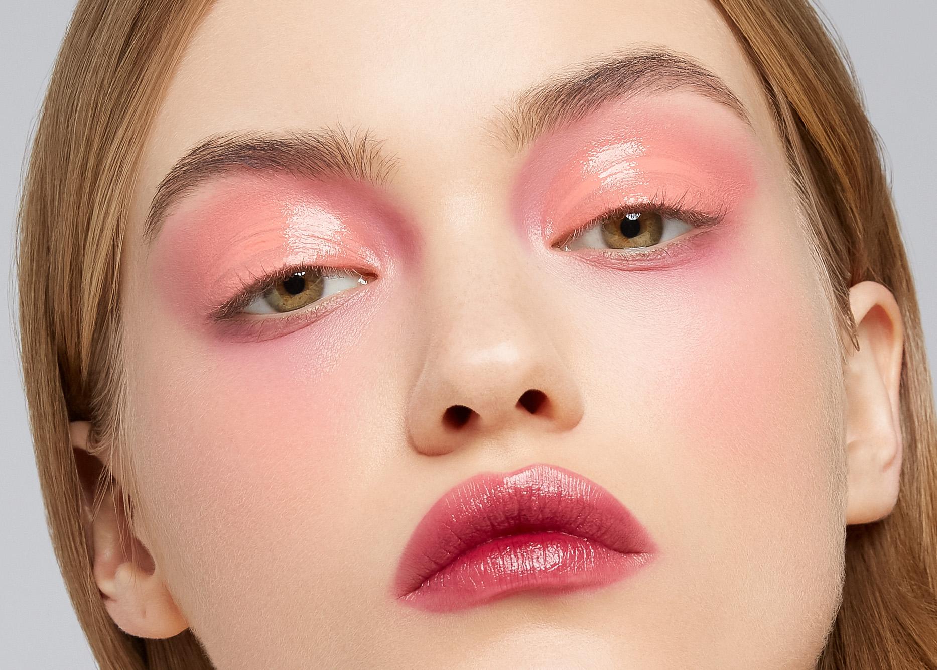 Красный макияж глаз