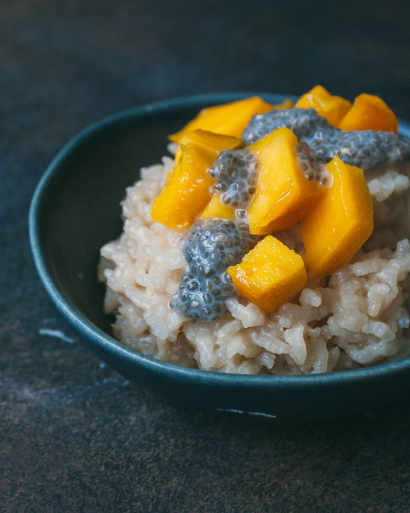 Рисовая каша с манго и чиа