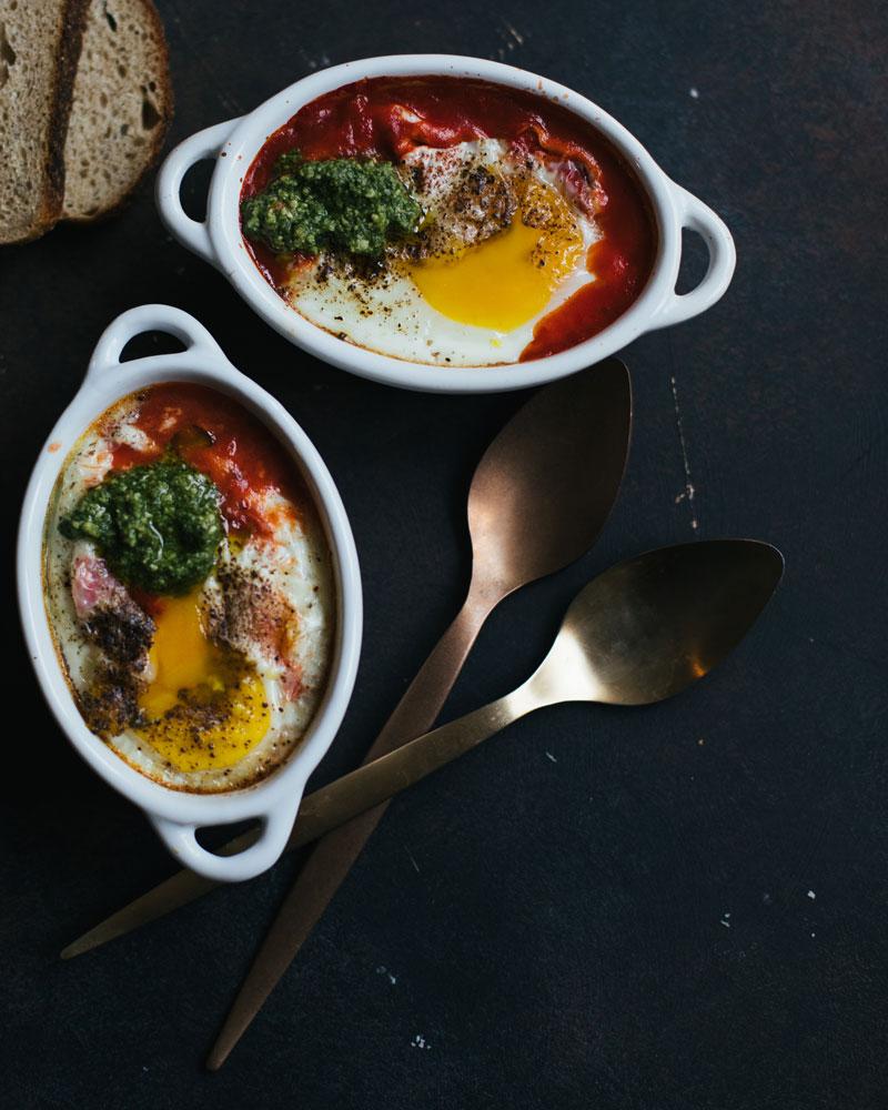 Запеченные яйца по-итальянски